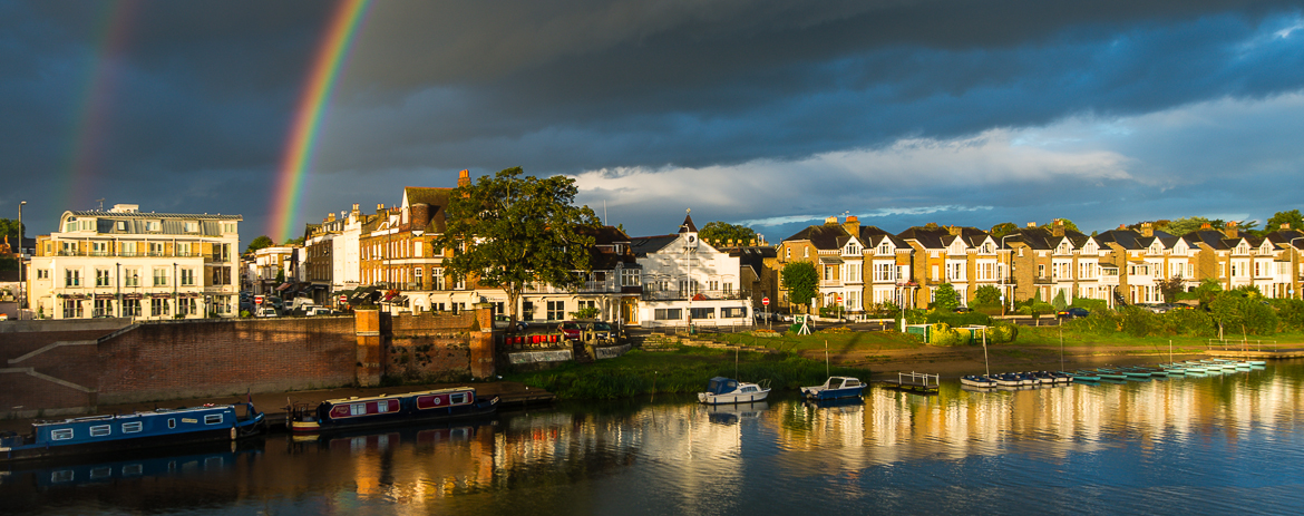 A guide to Hampton Court and Molesey.