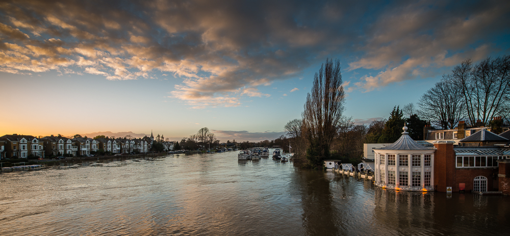 Flood warnings for Molesey and Hampton Court area