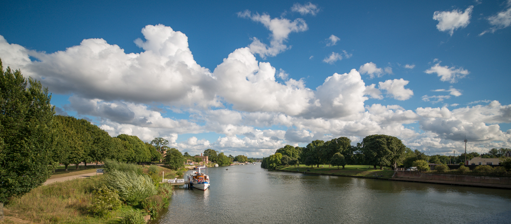 The River Thames – East Molesey, Hampton Court