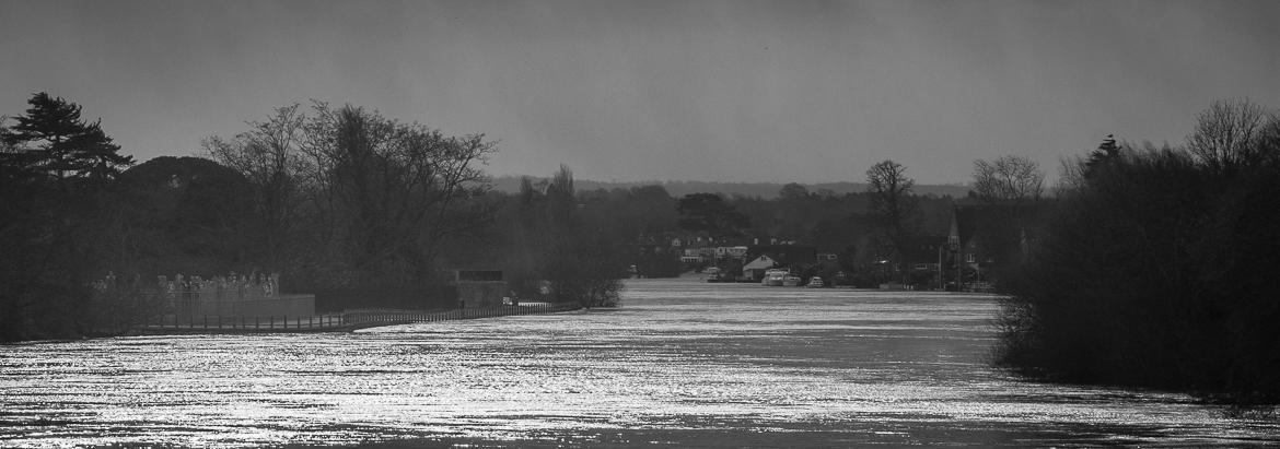 Storm damage and some river photos – East Molesey