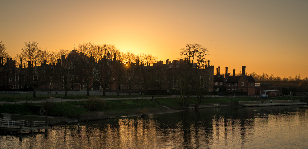 Sunrise Hampton Court Palace March 2014