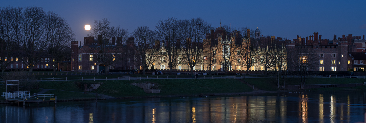 Super blue blood Moon over the Hampton Court Palace